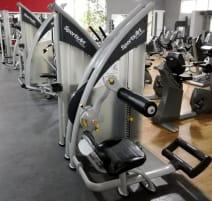 Gerätepark 16 x SportsArt Geräte aufgearbeitet TOP ZUSTAND!! Transport europaweit möglich