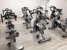 13 Tomahawk Indoor Bikes S-Serie