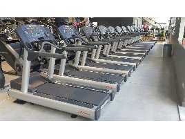 Life Fitness gym equipment package  machines Life Fitness Signature and Integrity Cardio - Shipment possible throughout Europe