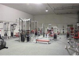 Sommeraktion! Fitnessstudio Komplettausstattung! Professionelle Fitnessgeräte von dem deutschen Hersteller L+K Sportgeräte GmbH