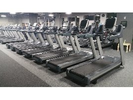 40 x Precor 885 with P80 Console Cardio Package - good condition - servised
