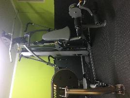 HOIST Fitness Kraftstation V4 Elite inkl. Roc-it Beinpresse
