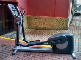 Life Fitness Crosstrainer 95 xi +   Top Zustand