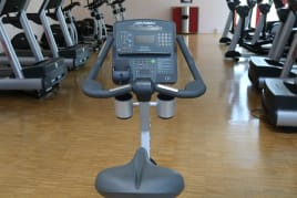 Sitzergometer - Life Fitness - Integrity Series CLSC Upright Lifecycle Exercise Bike - 5 Stück