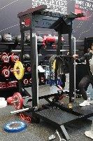HOLD STRONG Belt Squat Machine *AUSSTELLUNG FIBO 2019* Sehr massiv für 2.600€ | UVP 4.200€