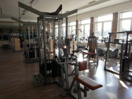 Komplettes Fitnessstudio ASS-Sport compact line (Profi Fitnessstudiogeräte)+ 3 Laufbänder SportsArt 6300