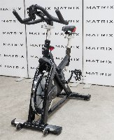 11er Paket Matrix V-Bike   11 x Spinning Bike mit Konsole