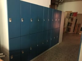 TOP lockers for sale / price per compartment from 25€ incl. SITZBANK!