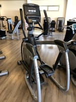2 gebrauchte Crosstrainer Matrix MX-e7xi + 1 Matrix Upright Bike MX-e7xi *Top Konsole-Tochscreen*
