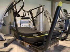 "1 TECHNOGYM SKILLMILL ""Connect"" Treadmill Cardio Top Condition"