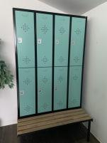 8 gebrauchte Spindelemente mit Sitzbank aus Holz / Farbe: Türkis  - günstig abzugeben!