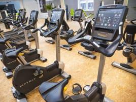 Matrix Fitness - Cardiopark mit 5x Konsole aus Studioauflösung
