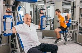 Zukunftsorientiertes Gesundheits- und Fitnessstudio inklusive EMS-Shop-in-Shop mit 1.100 Mitgliedern