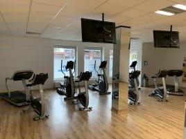 Komplette Fitnessstudio Einrichtung