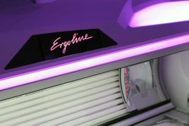 Neuwertiges Solarium ERGOLINE minimale Betriebsstunden
