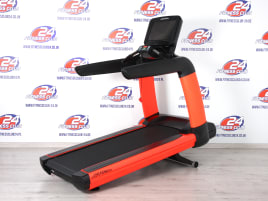 30 x Life Fitness 95T Discover SE Treadmill - refurbished - like NEW conditiion - Frame colors freely selectable!