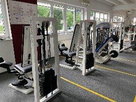 komplette Fitnessstudioeinrichtung
