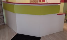 Reception counter from Physiopraxis