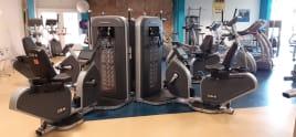 mehr als 40 Kraft- und Cardiogeräte - eine aktive neuwertige und komplette Luxery Studioausstattung