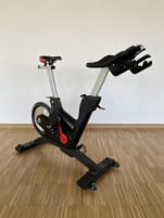 *neuwertig* Life Fitness Tomahawk Indoor Cycling Bike IC7 mit Konsole
