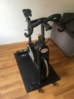 Neuwertiges Indoor Bike Taurus IC 90 pro