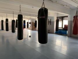 Kampfsport Ausrüstung Studioausrüstung 13 x Sandsäcke Boxbirne