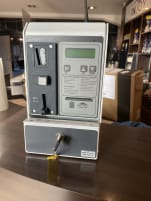 Solariummünzer mit Geldeinwurf und Kartenlesegerät