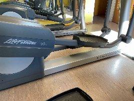 gebrauchter Crosstrainer 95xi der Marke LifeFitness