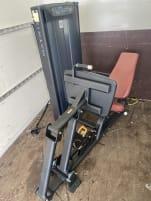 Matrix Fitness | Kraftgeräte Paket |  Versa Geräte Einzelverkauf möglich Brust Bauch Beine Arme Po