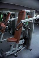 Shoulder-Press Trainingsgerät TECHNOLGYM M448V-ALH 121-0