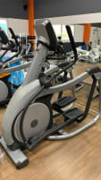 Gerätepark für Fitnesstudio Cardiogeräte inkl Crosstrainer Laufbänder Bikes Matrix komplett zu verkaufen