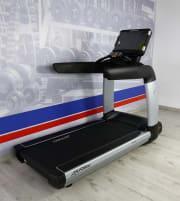 Laufband Life Fitness 95T Discover SE3 FULL HD- NEU!