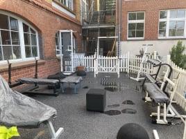 kleines Outdoor Fitness-Studio, 8 Profi Geräte für Kraftsport