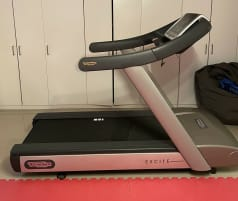 Technogym Run Excite 500 LED *delivery free of charge, reconditioned, warranty