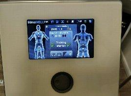 1x benutzt, neuwertiger Zustand mit Körper Anzug und jeweils zwei Elektroden für arme und Beine