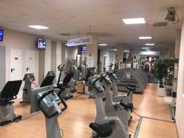 Schöne Räumlichkeiten für Fitness-Studio zu vermieten