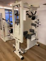 6 Kraftgeräte - Fitness / Physio von mkb System