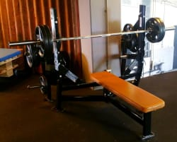 Hammer Strength olympic flat bench - press bench - refurbished - top condition !! transport possible !