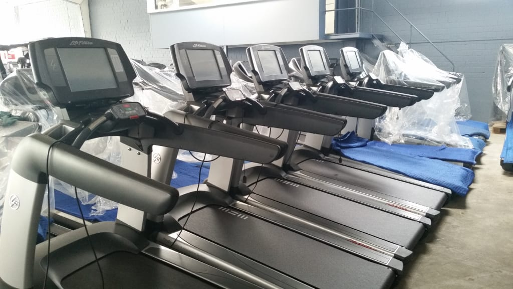 Ad Life Fitness Treadmill 95t Engage Elevation Series Top